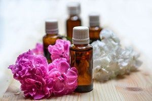 essential-oils-1433694_960_720